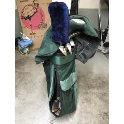 Sac de golf fourni avec 2 bois, 1 putter et 5 clubs et chaussure 41