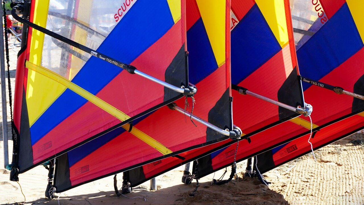 Windsurf Comment Choisir Son Materiel De Planche A Voile Debutant Suivez Les Conseils De Linknsport